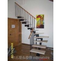 米兰实木钢木楼梯