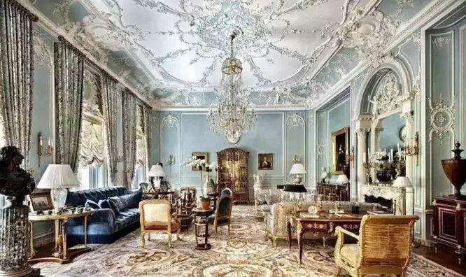除了天花,石膏线还可以做墙面造型如墙裙,护墙板等,起到了豪华的装饰图片