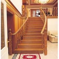 欧雅斯实木楼梯