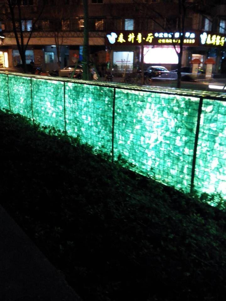 qq空间黑色_彩色水晶玻璃石头,灯光石笼挡墙 水景堆装用玻璃石块 - 万一 ...