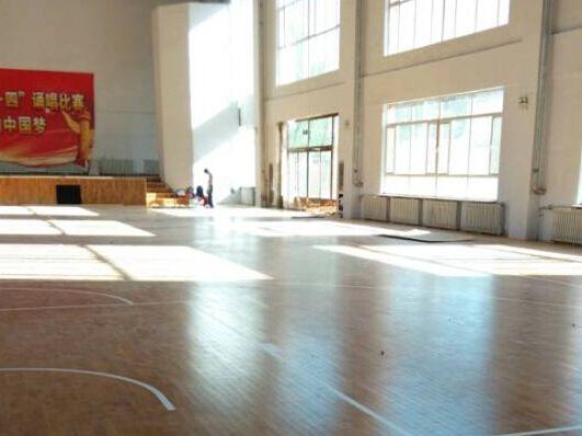 天津籃球地板_籃球場館地板