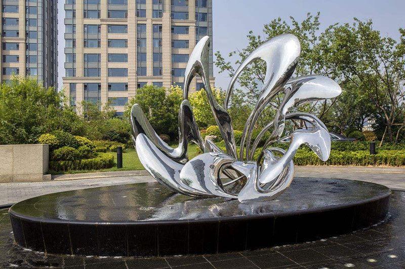 定制不锈钢镜面雕塑 小区景观雕塑设计