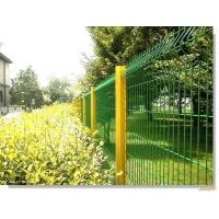 护栏网-三角折弯桃型柱护栏