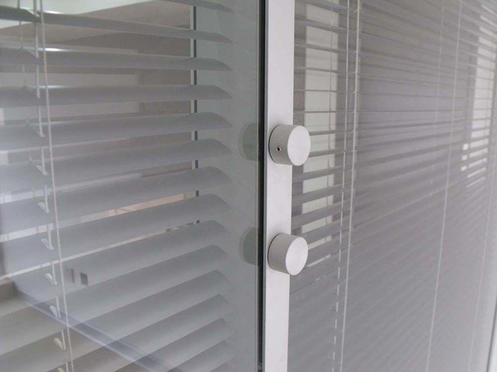 办公隔断 隔断铝材 玻璃隔断 百叶玻璃隔断