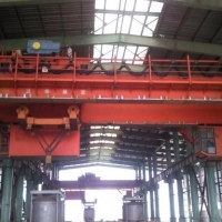 供青海玉树塔式起重机和互助冶金起重机