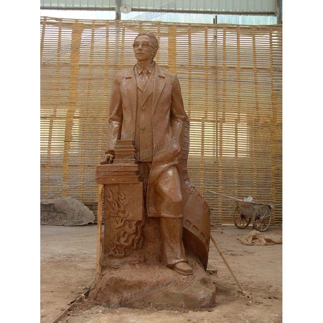 贵州广场人物雕塑工厂/贵州人物雕塑制作/贵州雕塑