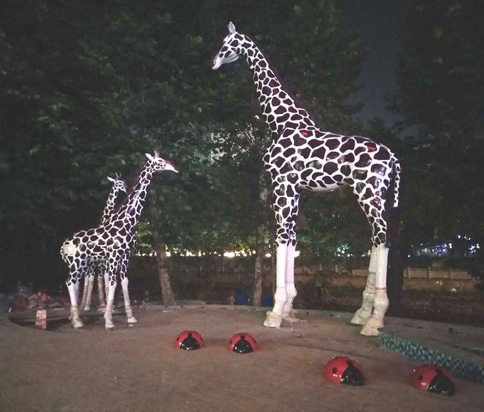 景观雕塑公司 长颈鹿雕塑 贵州雕塑公司