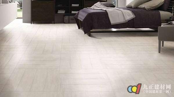 建议仿木地砖,花色多,品种多,仿古复古效果一应俱全,挑选的余地板是最