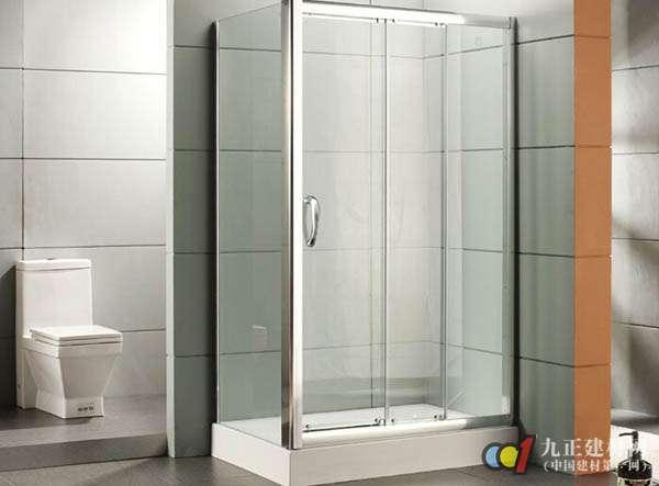 3、 淋浴房玻璃上如果出现了黄色的水渍,那你可以用玻璃清洁剂喷洒上去,然后用抹布擦拭黄色水渍,马上就能把玻璃上的黄色水渍擦拭干净。平时洗完澡或是没有洗澡的时候,也要保持淋浴房内的清洁,经常用清水进行清洗,保持干净。还有其它淋浴房内的小配件,基本上都是属于五金类的,不要使用清洁剂和清水进行清理,容易导致小配件表面腐蚀,出现表面脱落等情况,还是最好使用干抹布对五金类小配件进行清洁。