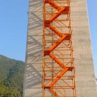 新型香蕉式安全爬梯 桥梁墩柱施工爬梯 施工梯