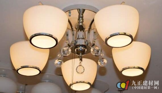 现代灯具特点