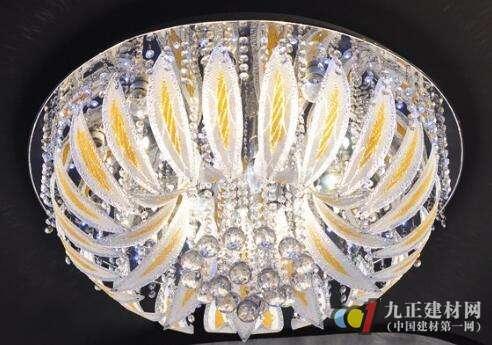 低压水晶灯图片