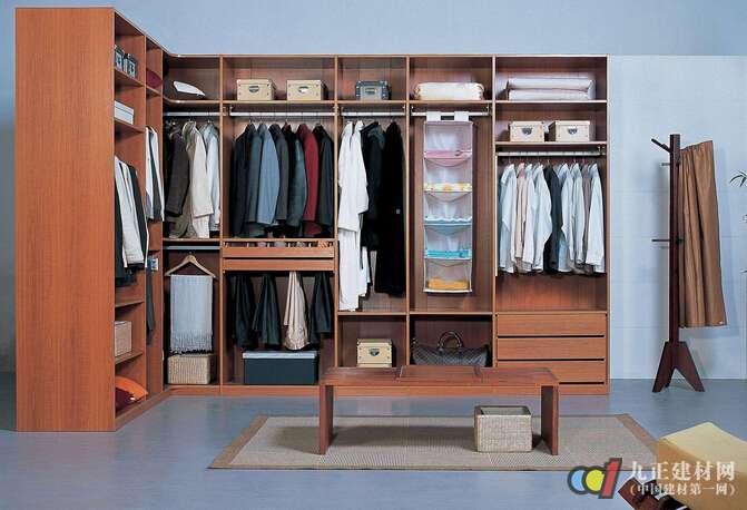 儿童房整体衣柜—透气孔设计