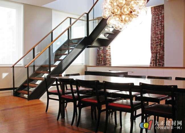 钢架楼梯怎么样 钢架楼梯尺寸