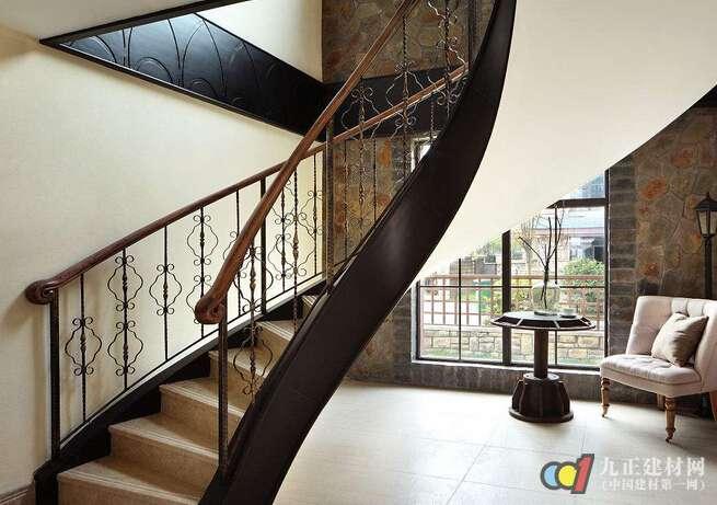 旋转楼梯怎么样 旋转楼梯安装步骤