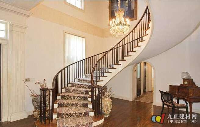 旋转楼梯装修尺寸 旋转楼梯怎么安装