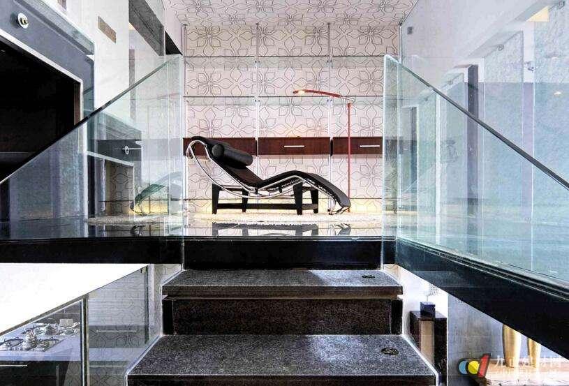 玻璃楼梯装修效果图