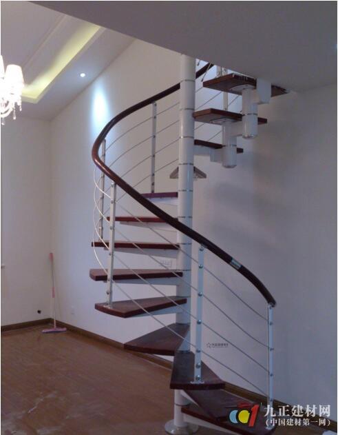 旋转楼梯装修效果图4