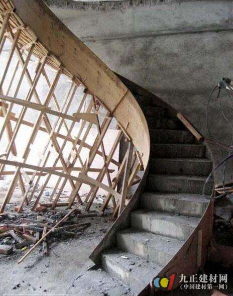 混凝土旋转楼梯