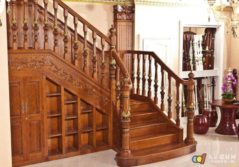 实木楼梯款式图片1