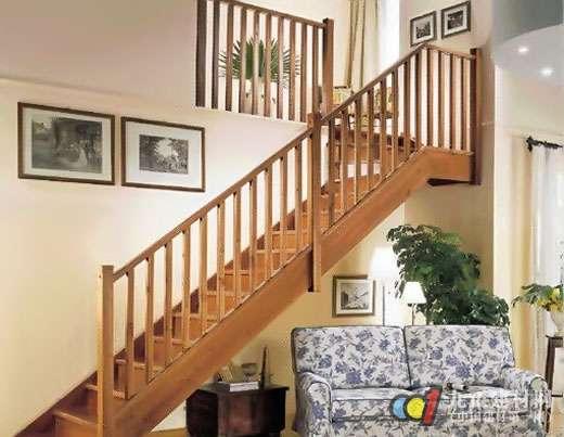 实木楼梯款式图片2