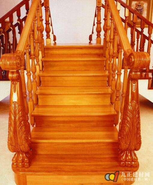 实木楼梯款式图片3