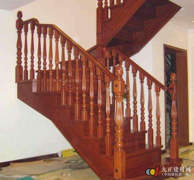实木楼梯款式图片5