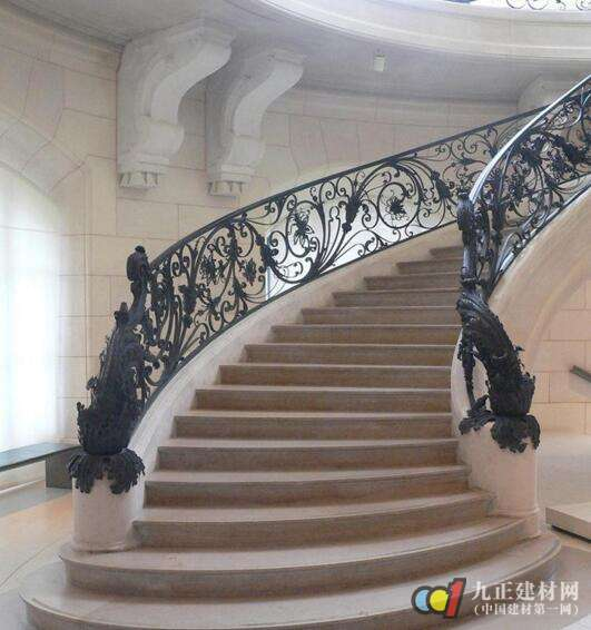 铁艺旋转楼梯