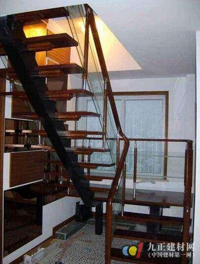 钢木结构楼梯