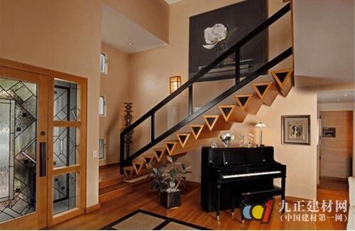 阁楼楼梯口装修效果图2