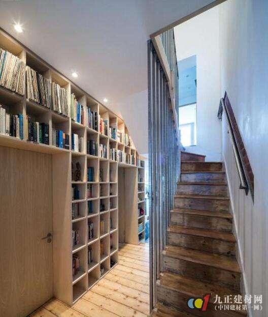 木质楼梯效果图2