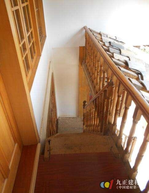 木质楼梯效果图6