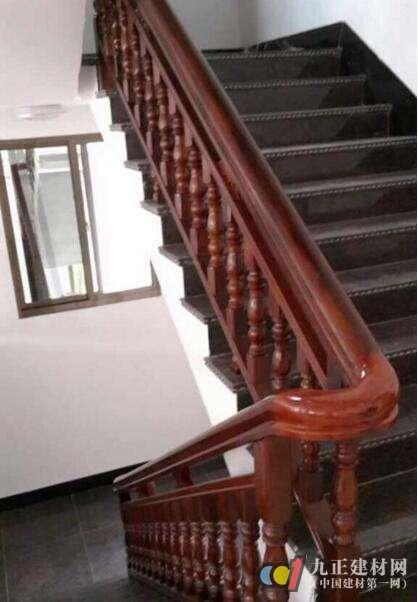 红木楼梯扶手装修效果图1