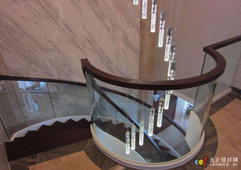 玻璃扶手楼梯