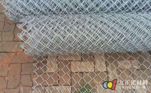 汽车上的螺丝镀锌铁丝网好不好 镀锌铁丝网多少