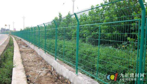 高速护栏网图片