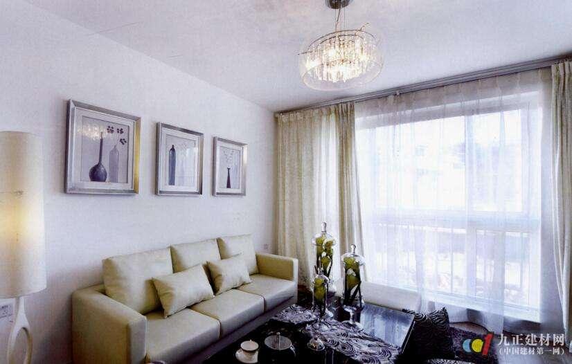 客厅窗帘沙发搭配效果图