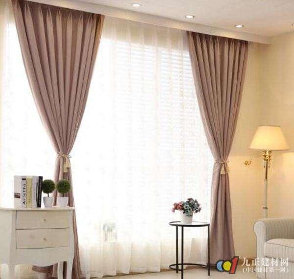 现代简约窗帘装修效果图1