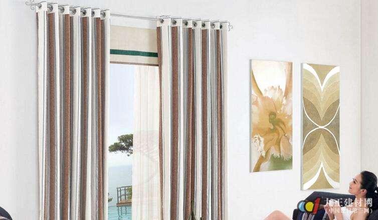 现代简约窗帘装修效果图2