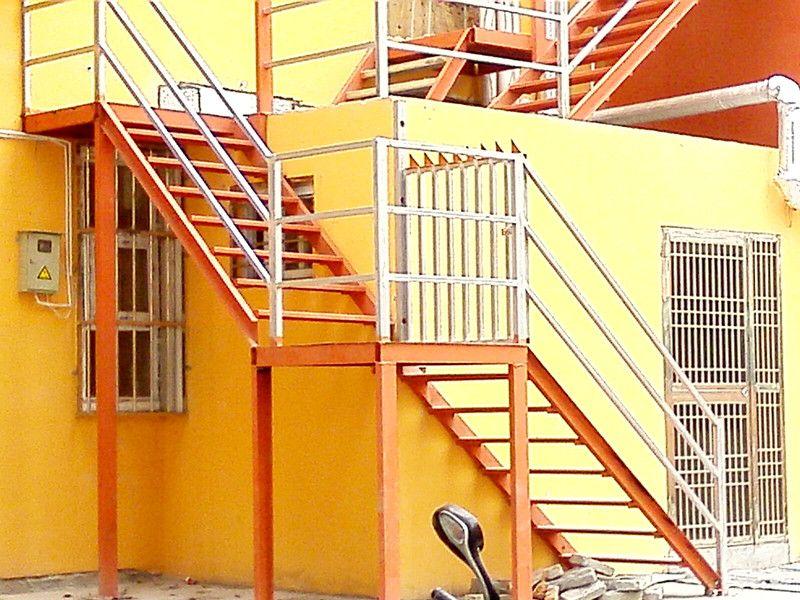 三层梯升机plc电路图