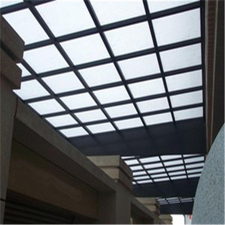 耐力板采光天窗、实心PC板覆盖、铝合金边框
