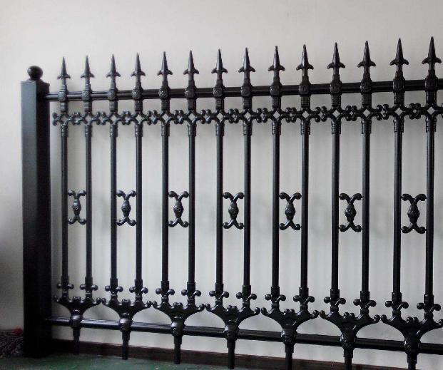 供青海玉树锌钢边框护栏和互助锌钢铁艺护栏优质价廉