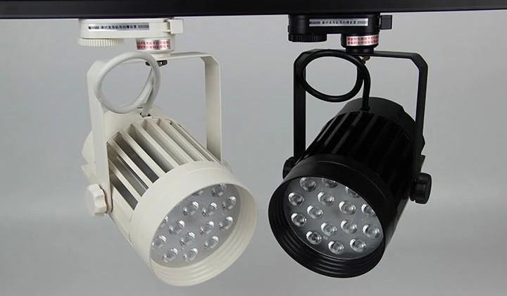 雷士照明LED商铺专用超高寿命TLED313LN导轨射灯