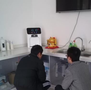 冬日温暖:苏州3M温热型壁挂管线机