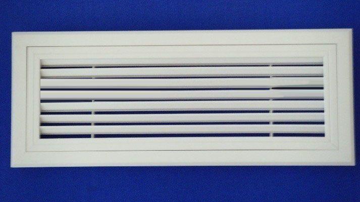调整气流扩散面,以改变射程,风口的外框宽度有宽边框和窄边框两种,可