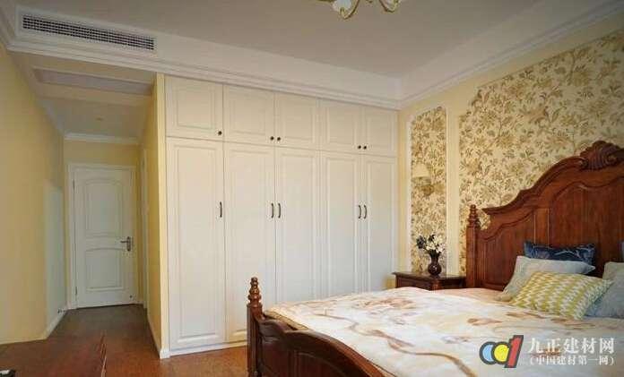 卧室定制衣柜