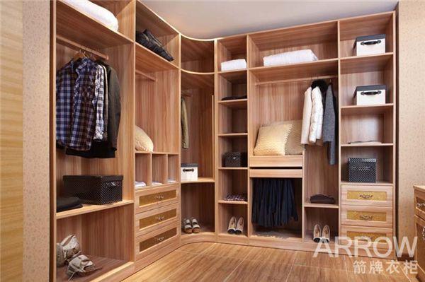 两扇的衣柜内部结构