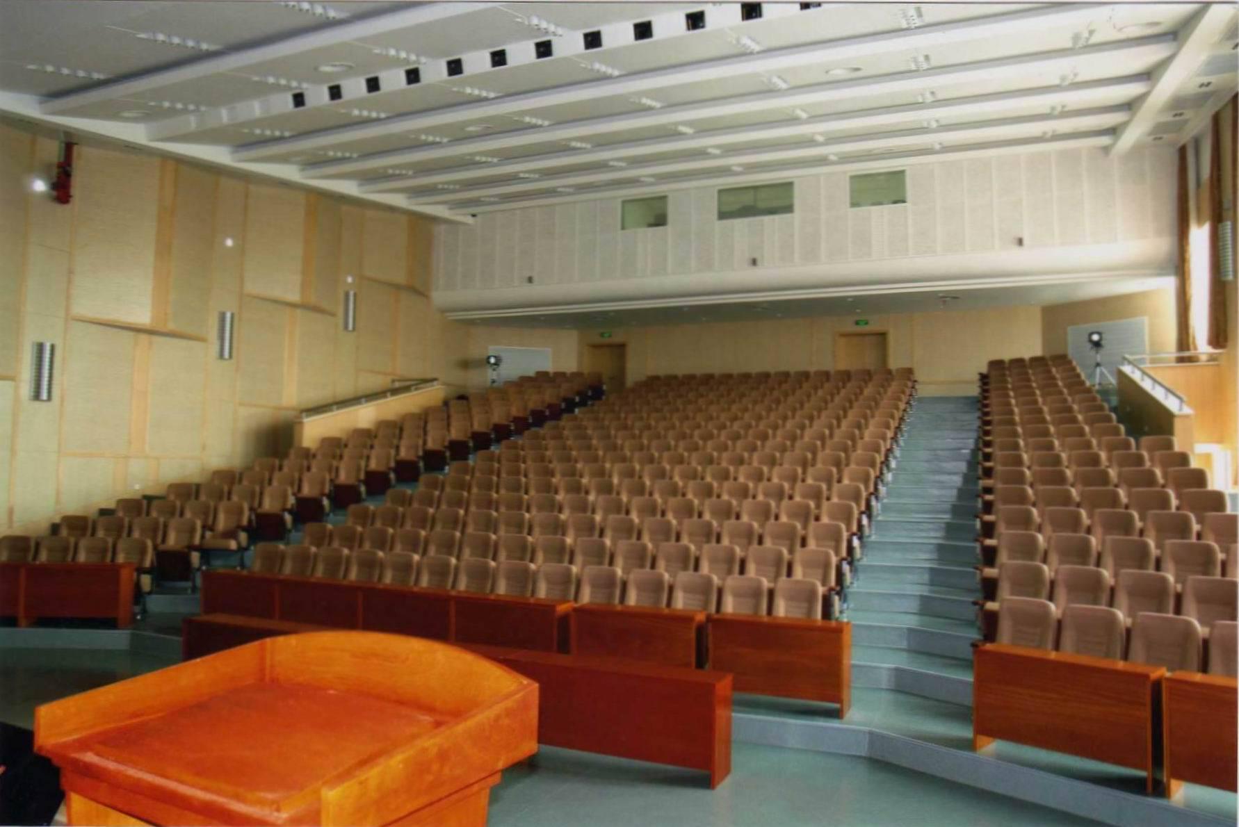 武汉市公安局指挥大楼大礼堂灯光音响及舞台