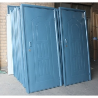 储藏室门、地下室门