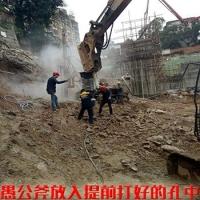 地基开挖裂石机厂家城市基础坑开石机